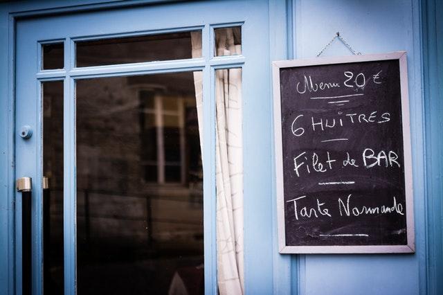 Modré sklenené dvere.jpg