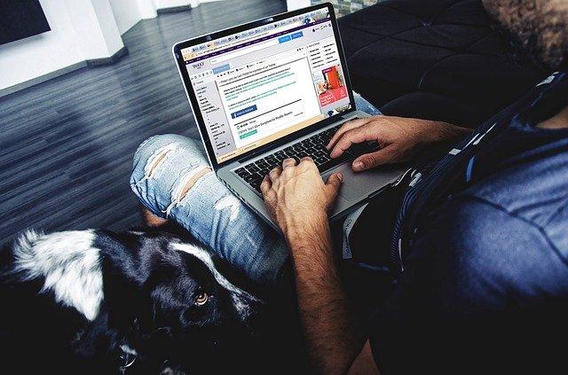 Muž za Notebook-m.jpg