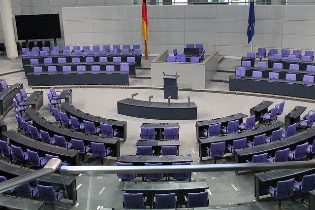 budova parlamentu.jpg